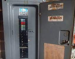 Worst Electrical Panels Found in Homes and Why? 2