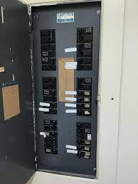 Worst Electrical Panels Found in Homes and Why? 3