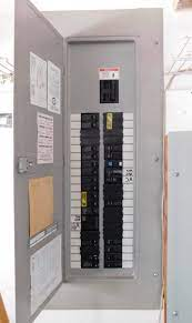 Worst Electrical Panels Found in Homes and Why? 4